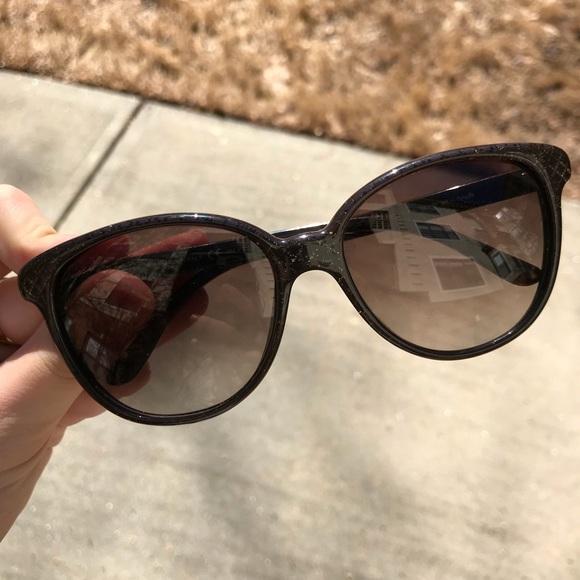 d86a4a9631b Gucci Accessories - Gucci GG 3633 S Sunglasses WITH original case